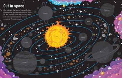książka z naklejkami o kosmosie